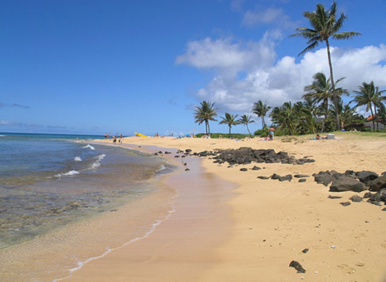 Kauai-Beach-Tourism-in-Hawaii