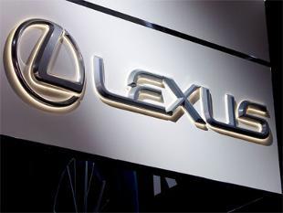 toyota-recalls-lexuses-in-us-for-fuel-leak-risk