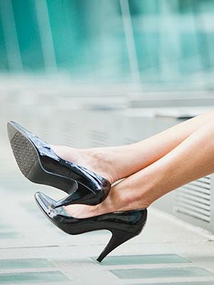 woman-wearing-heels-mdn